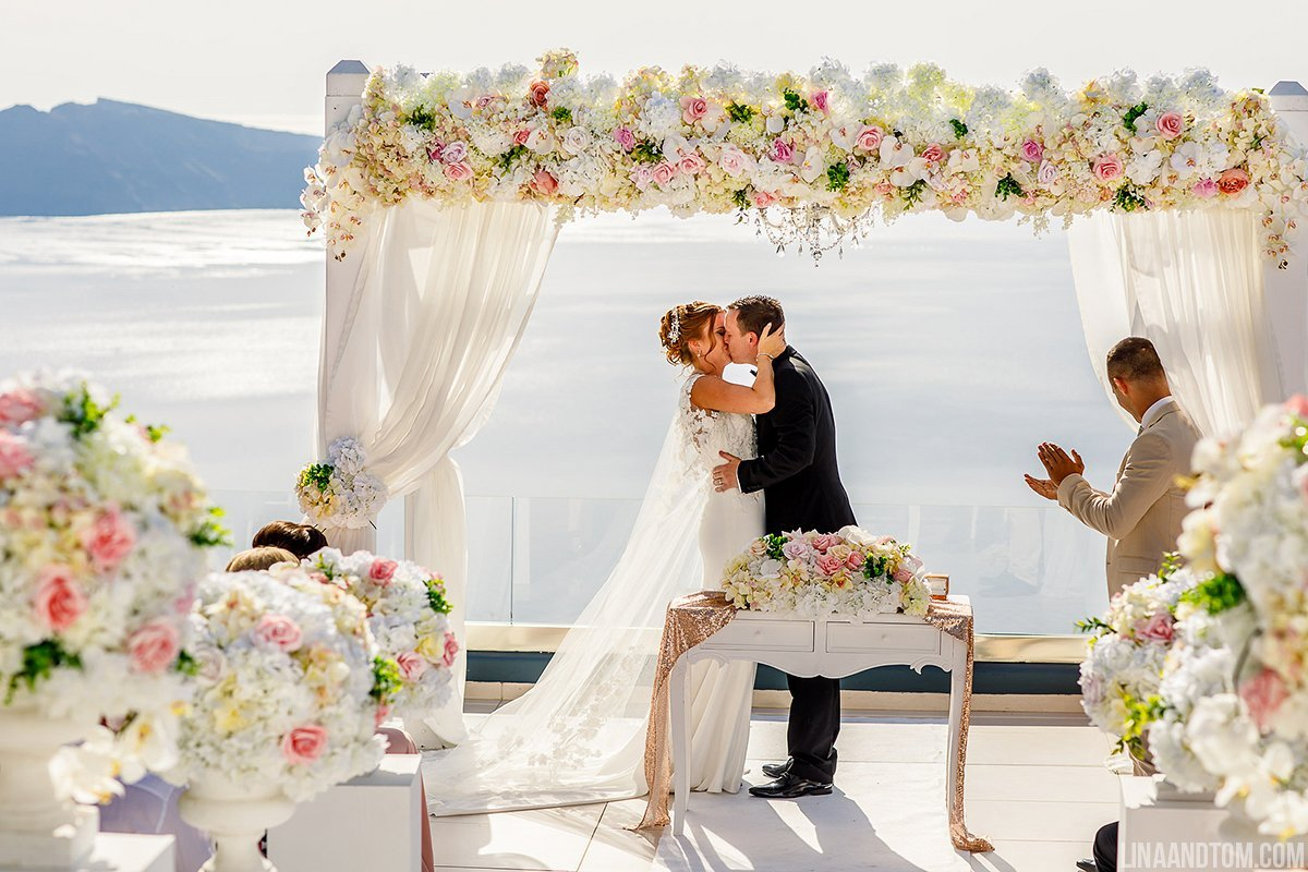 santorini wedding flowers decoration