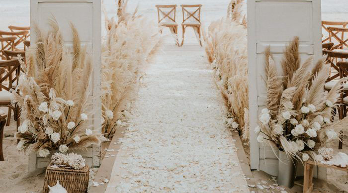 boho santorini wedding flowers