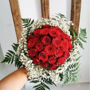 elegant red rose bouquet